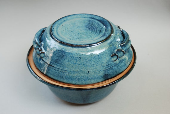 1 blue set of bowls the top bowl can be a cover as well as a serving dish