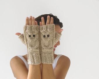 Owl Ecru Fingerless Gloves - Mittens
