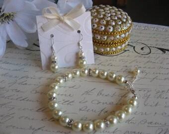 Swarovski Rhinestone and Large Pearl Bracelet and Earring Set - Personalized Bridesmaid Jewelry/Wedding Jewelry/Pearl Jewelry