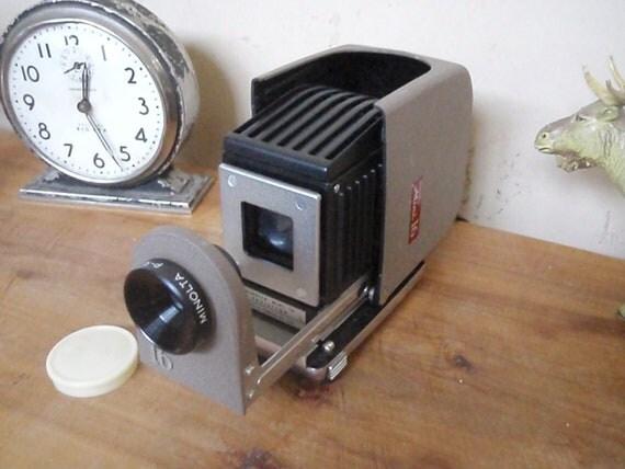 Vintage Minolta Slide Projector - Mini 16