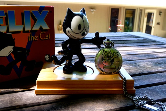 RESERVED for ALIESHA..Vintage Fossil Felix the Cat Pocket Watch