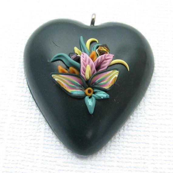 Dark Green Heart Pendant Applique Floral