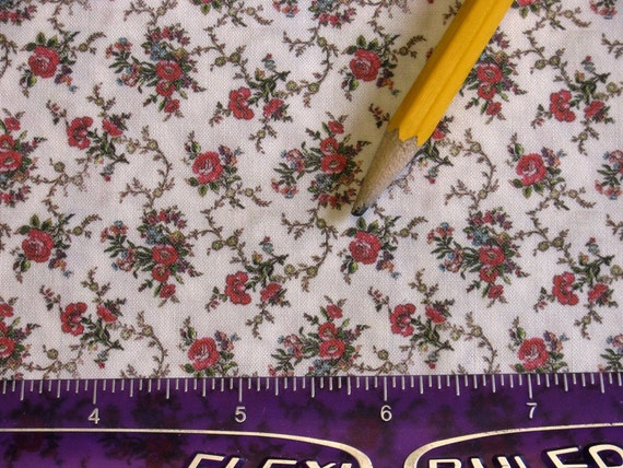Dollhouse Miniature Victorian UPHOLSTERY / APPAREL FABRIC Shabby Chic Red Rose Bouquet