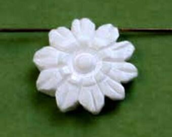 Carved Bone Flower 20mm