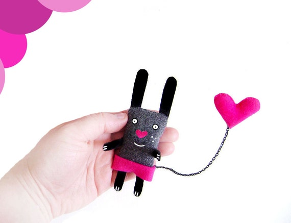 Bunny Brooch - I have a Fuschia Heart