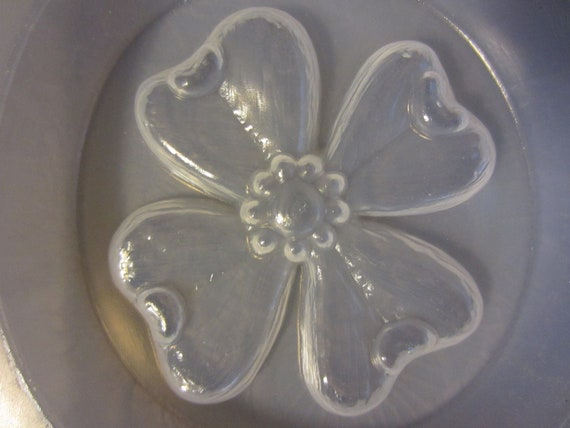 "Resin Mold Dogwood Flower 3"" 76mm Jewelry Chocolate Fondant Paper Weight"