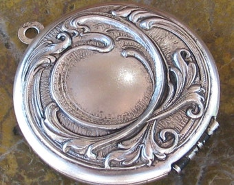 Locket Pendant  Antiqued Silver Color Twilight Renesmee Cullen locket - 1 Piece -  989