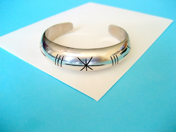 SALE...Taxco Sterling Silver Cuff with Retro Starburst Pattern