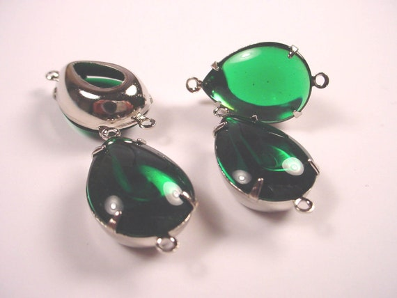 Vintage Emerald Glass Pear Connector Charms 2 Ring Open Back 18x13 SILVER