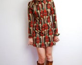 vintage 1970s / psychedelic print / Fall dress / shirt dress / pointed collar / mini mod / S