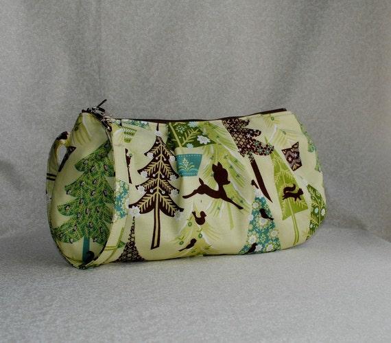 40% OFF - Pleated Wristlet Zipper Pouch - Alpine Wonderland, Trees in Green
