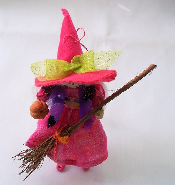 Halloween Felt Art Doll - Diva witch in the pink hat - Halloween decoration