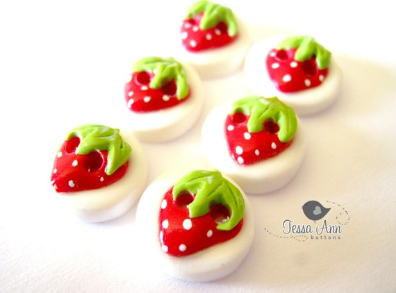 Simple Strawberries- MINI BUTTONS  (handmade buttons set of 6)