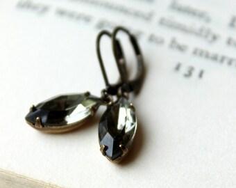 Grey Vintage Earrings / Old Hollywood Glam / Black Diamond Rhinestone Earring / Vintage Jewelry / Glass Jewel / Wedding Jewelry / Grey Gray