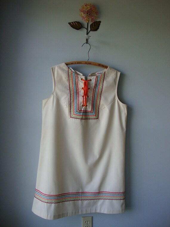 Vintage 1960s sleeveless Dress // summer time fun