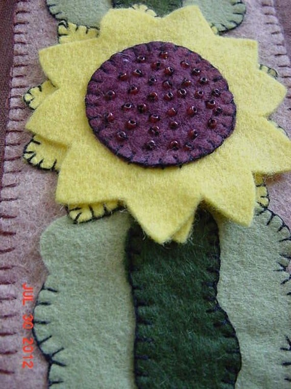 Primitive Country Penny Rug Style Wool Felt Sunflower Candle Wrap  OFG Team