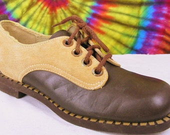 6.5 B ladies vintage- 60's-70's two tone brown and tan leather Stride Rite oxfords shoes NOS