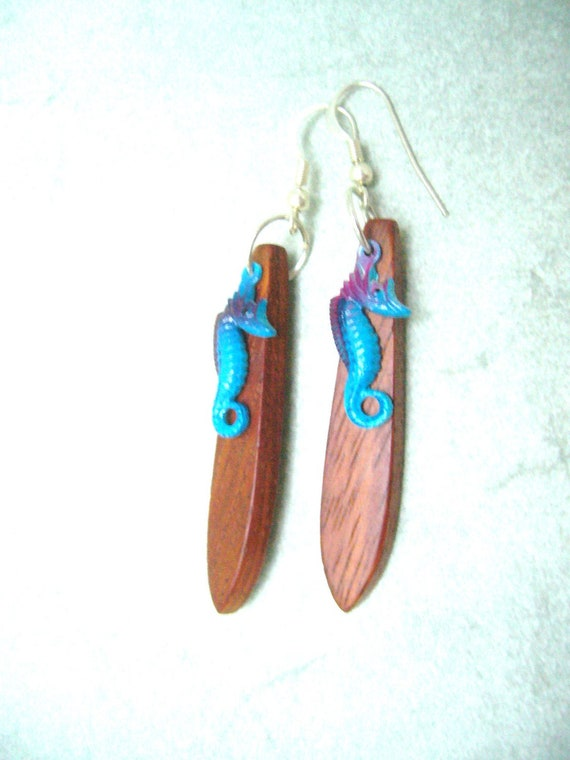 sea horse earrings, nautical style