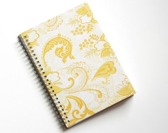 Large Coupon Organizer with 14 Pockets - Pre Printed Labels Included - Lemon Flourish