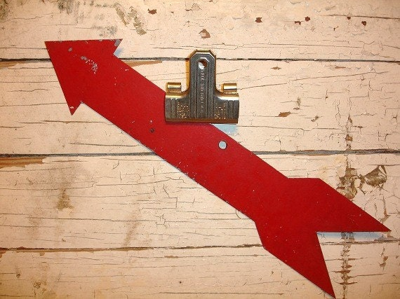 Red Metal Wall Decor: Vintage Industrial Red Metal Arrow Sign Wall Hanging
