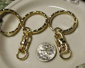 Large Goldtone Metal Key Chain - 8 pcs - UN1019