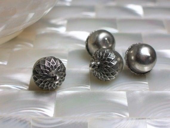 Charm Acorn bead Antiqued Silvertone 1pc