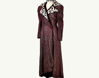 20s opera coat / Vintage 1920s Metallic Thread Silver Leather Brocade Velvet Jacket