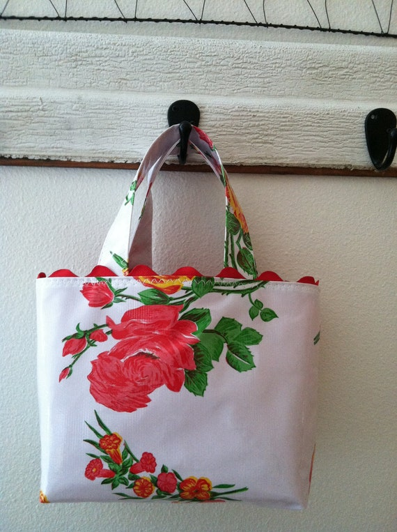 Beth's small White Vintage Rose Oilcloth tote with Rick Rack Trim