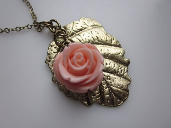 Pink Rose and Leaf Necklace Romantic Vintage Style Antique Gold Color.