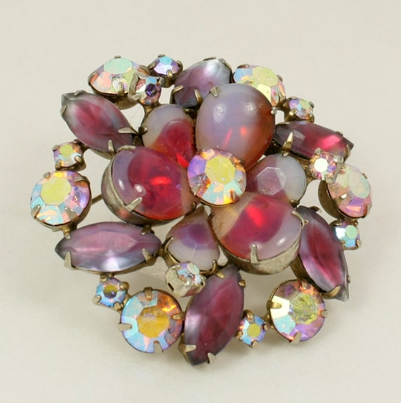 Vintage Juliana Style Pink Opalescent Glass Floral Cluster Brooch