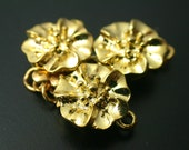 2 Pcs - Rose Flower Magnetic Clasp, Gold Plated  / 11.5mm