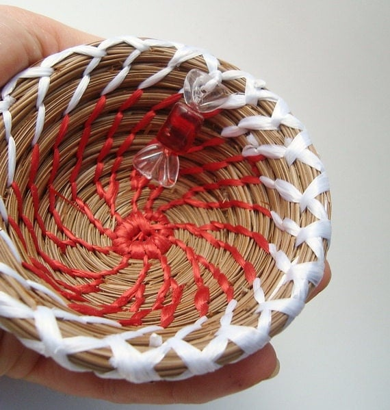 SALE Candy Cane Bowl, Handmade Pine Needle Basket, White and Red with Candy Beads, Christmas Basket