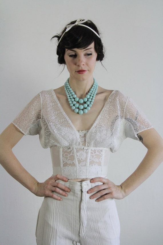Vintage Half Top . Midriff Shirt . Lace . Elastic . 1950s