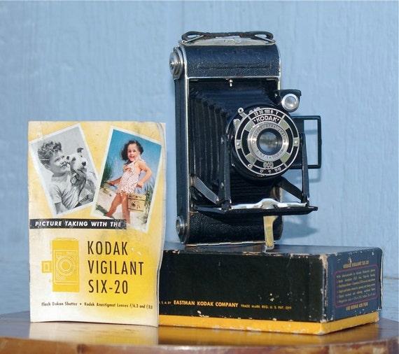 Vintage German Kodak 620 Junior Folding Camera  1930's