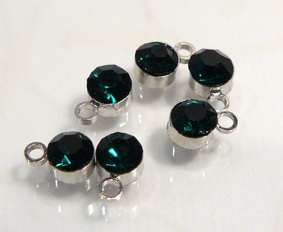 6 Beads....Emerald Green Glass Bezel Cup one Station Charm....6x4mm....BB