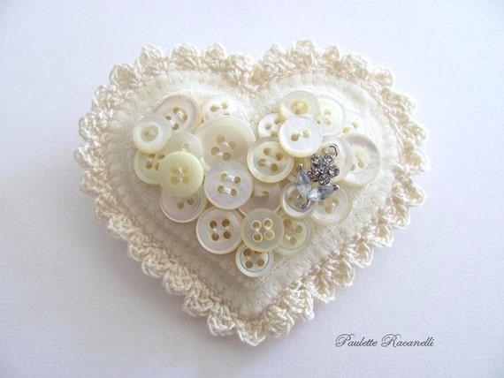 Felt Button Heart Pin / Felt Heart Brooch