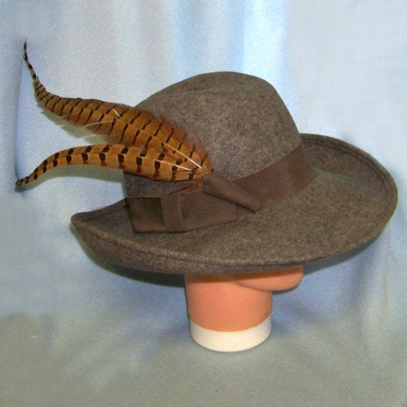 Gray hat felted wool wide brim with pheasant feathers vintage medium