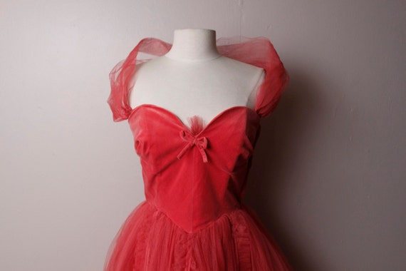 Vintage 1950's Salmon Velvet Tulle Formal Prom Party Dress Medium