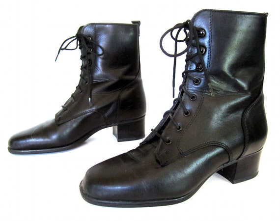 vintage 1990s black leather lace up GRANNY boots womens 6 1/2 faux fur lined victorian GOTH ankle bootie preppy heels GRUNGE fall classic