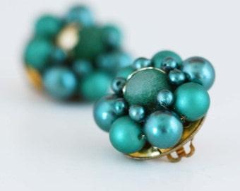 Emerald Green Bead Bauble Earrings - Vintage Costume Jewelry