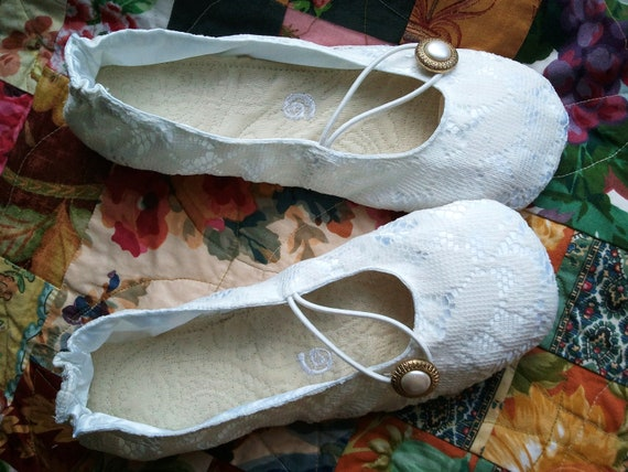 Bridal Lace Ivory Ballet Flats -Shoo-shis...