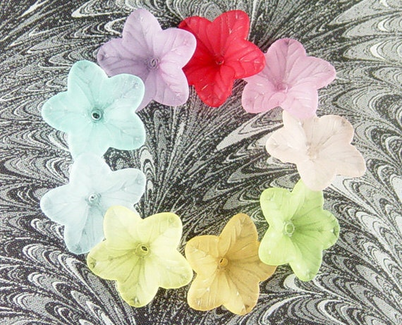 36 Acrylic Beads 5 Petal Point Star Daisy Flower Frosted 18mm (1027luc18m3)