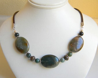 Beaded Indian Agate Stone and Leather Necklace