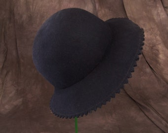 Vintage Fabini Felted Navy Blue Hat with Pinked Brim