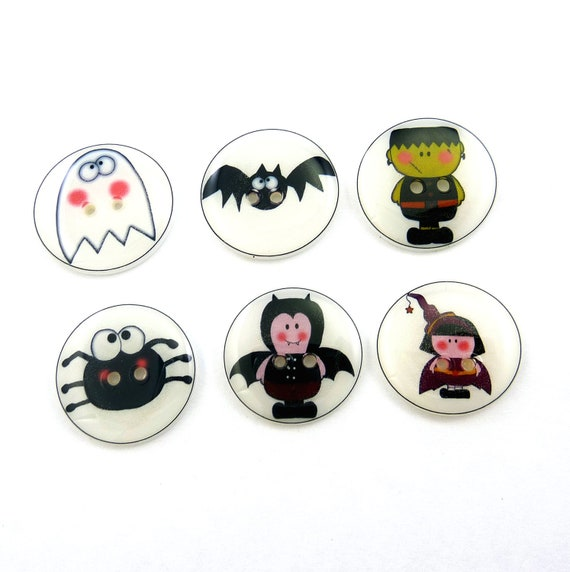 Halloween Buttons. 6 Handmade sewing buttons in a Halloween theme.