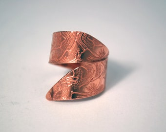 Etched Copper Ring - Adjustable size -  twist ring