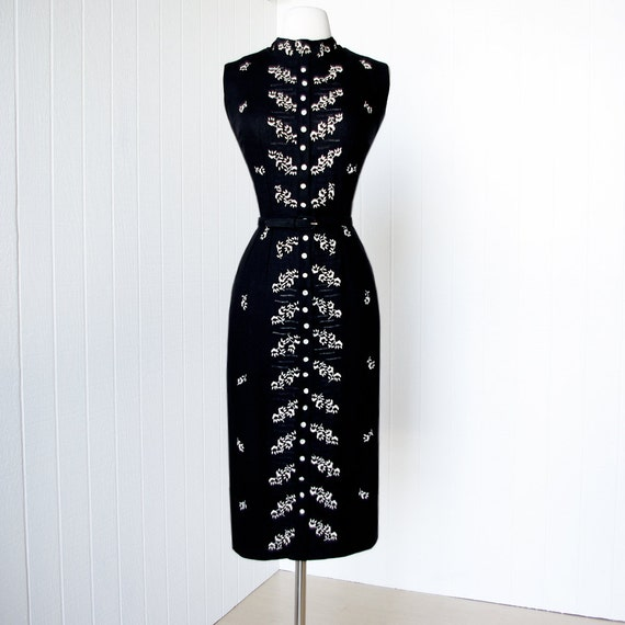 vintage 1950's dress ...whistle bait MOYGASHEL black irish linen embroidered bombshell pin-up wiggle dress