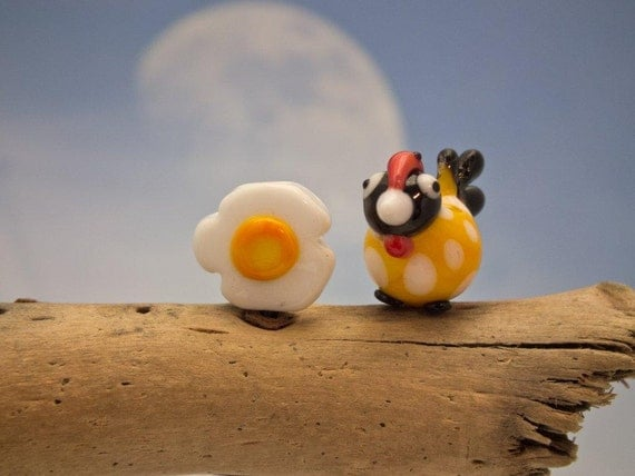 lampwork chicken and fried egg set of 2 beads... sra