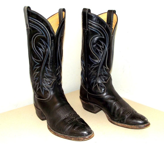 Black leather Tony Lama cowboy boots with blue and white stitching size 8.5 B