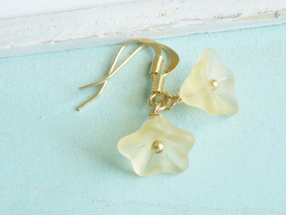 Beaded Flower Earrings - Buttercup